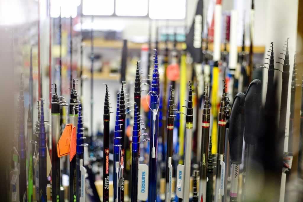 Articoli da pesca pesca sport andena vimodrone mi for Porta canne da pesca a muro